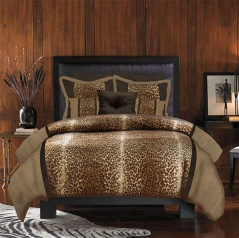 cheetah bedroom 1000 ideas about cheetah print bedding on pinterest