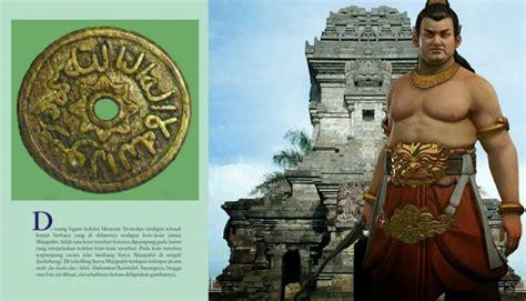Buku Politik Dalam Sejarah Kerajaan Jawa Sriwintala Achmad Ik hoax gajah mada muslim dan bernama asli gaj ahmada