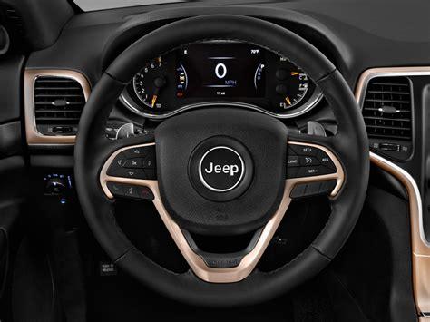 jeep steering wheel image 2017 jeep grand laredo 4x2 steering wheel