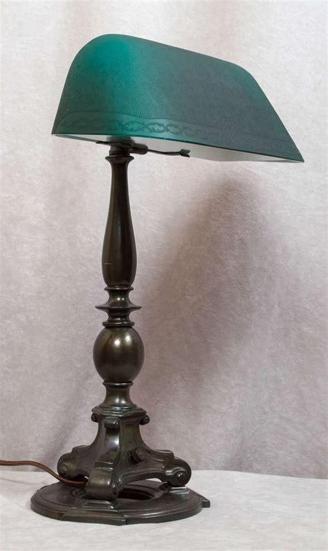 V Light Desk Lamp Banker Desk Lamp Hostgarcia