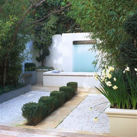 Small Garden Design Ideas Housetohome Co Uk Small Modern Garden Ideas