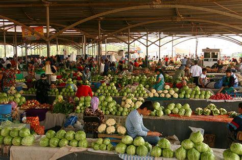 uzbek fruit and vegetables bazaars in uzbekistan the chorsu bazaar tashkent uzbekistan attractions on aba