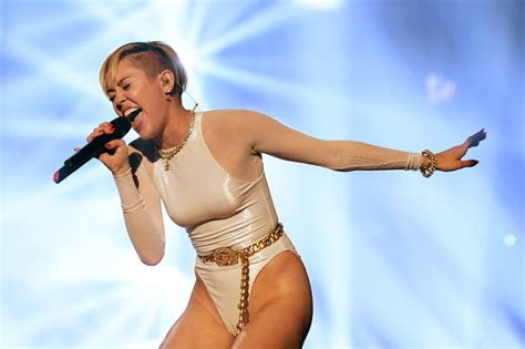 Christian 118 3a top 10 miley cyrus songs of all time