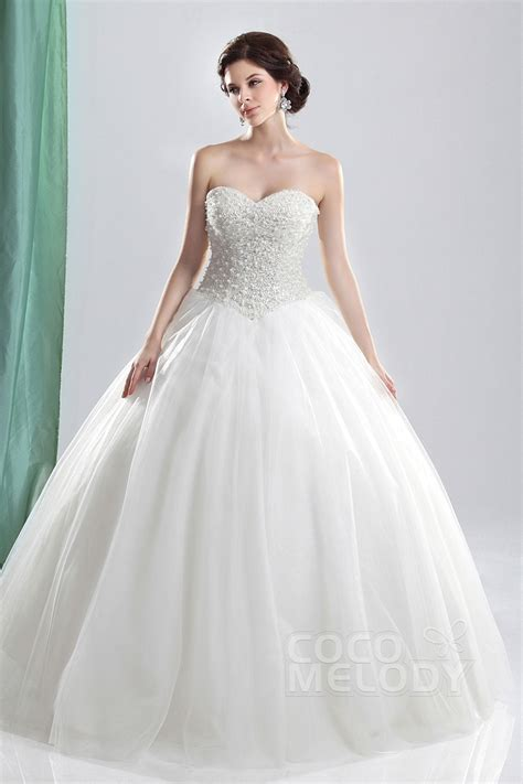 Basque Wedding Dress by Cocomelody Gown Sweetheart Basque Floor Length Tulle