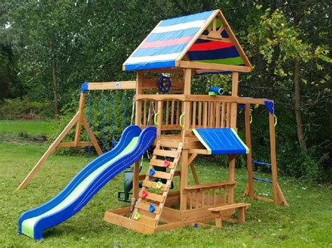 backyard discovery cedar chateau playhouse backyard discovery winchester playhouse 28 images she