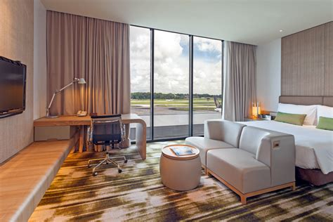 day room singapore airport epicure s 12 days of giveaway day 8 a one stay in a club room at crowne plaza