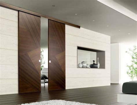 Bella Abbinamento Colori Casa Esterno #1: porte-scure-legno-scuro.jpg