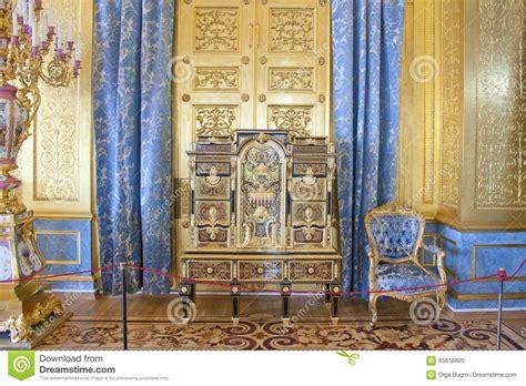 golden living room fionaandersenphotography co