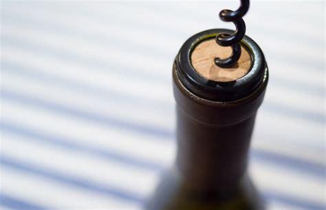 öffnen Einer Weinflasche by Eine Weinflasche Richtig 246 Ffnen So Geht S M 228 Nner Style