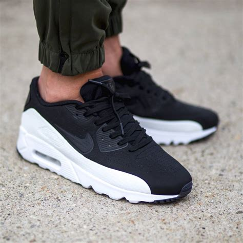 Nike Airmax 90 timeless shades on the nike air max 90 ultra moire