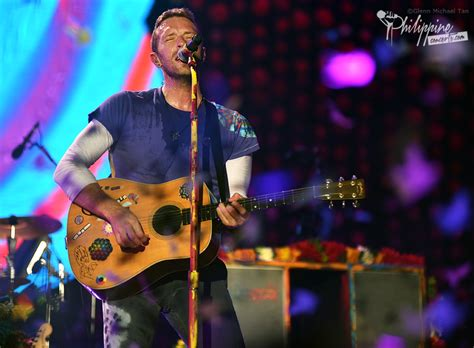 coldplay live concert coldplay live in manila photo gallery philippine concerts
