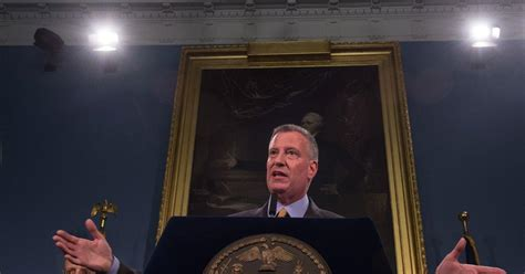 Bronx Ny Arrest Records Bill De Blasio Signs Don T Ask On Criminal Records Ny Daily News