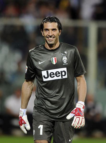Gianluigi Buffon Juventus Corinthian Microstars 3 gianluigi buffon in acf fiorentina v fc juventus serie a 3 of 7 zimbio
