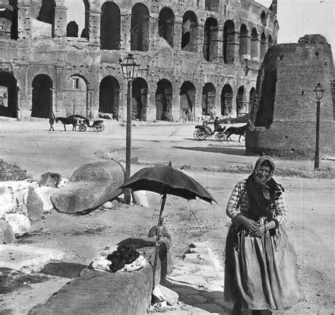 ingresso colosseo e fori imperiali la popolana davanti al colosseo e la meta sudans roma