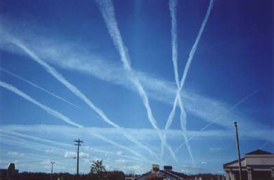 file:contrails.jpg wikimedia commons