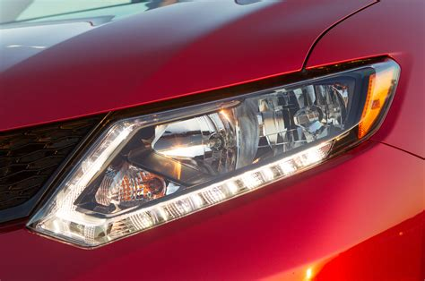 2014 Nissan Rogue Headlight Photo 17