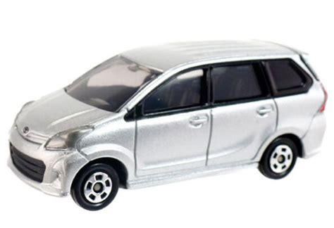 Diecast Tomica Toyota Avanza Veloz Silver Sd110 black 1 18 scale harley davidson 2002 fxstb mc06b014 ezmotortoys