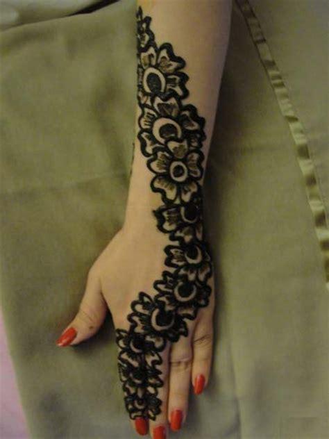 Kaos Kaki Aura Motif Henna seni lukis tangan kaki mehndi karya henna multimedia