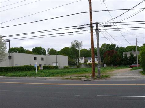 devan infiniti tpz rejects plan for post road offices fairfield