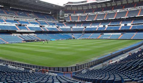 cuantas personas caben en el santiago bernabeu estadio santiago bernabeu madrid the stadium guide