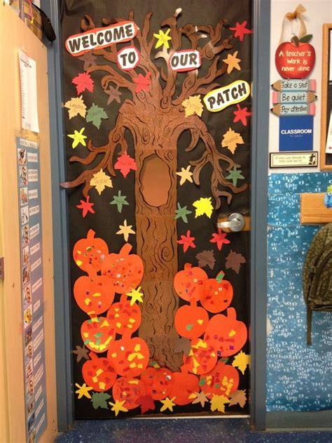 classroom fall door decorations 1000 ideas about school door decorations on
