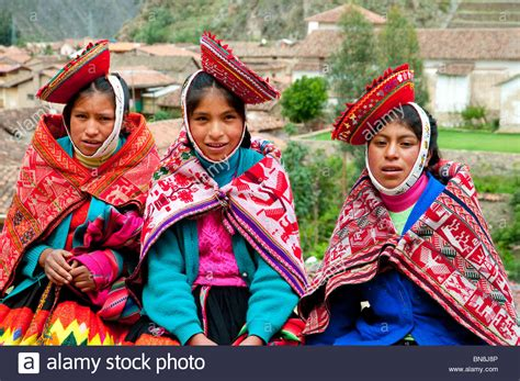 served american south tradition new peruvian in traditional dress in ollantaytambo