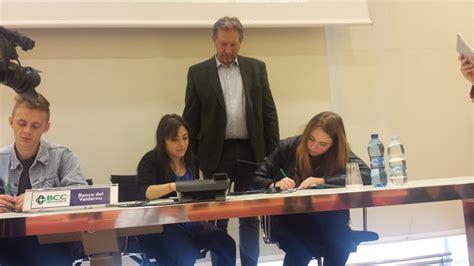 Banca Valdarno Montevarchi by Gli Studenti Costituiscono Una Cooperativa Progetto In