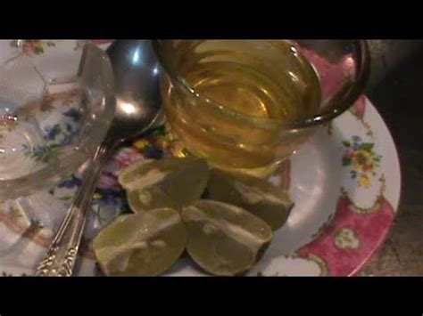 cara buat minyak kelapa alami cara menghilangkan ketombe secara alami dengan minyak
