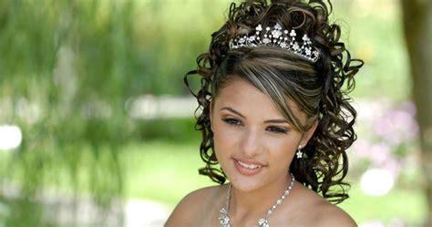 imagenes peinados para 15 con la coronita los 5 accesorios para utilizar en los peinados para