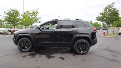 jeep cherokee blacked 2016 jeep cherokee trailhawk brilliant black crystal