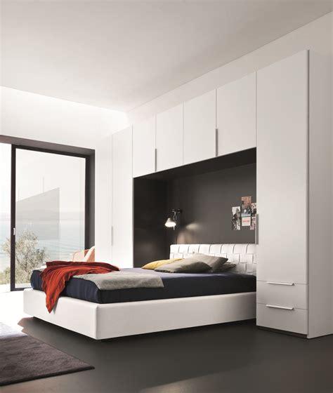chambre a coucher avec pont de lit chambre a coucher avec pont de lit chambre complte chambre coucher complte panarea led laque