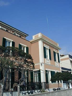 casa valdese borgio verezzi dx c di primavera 2005