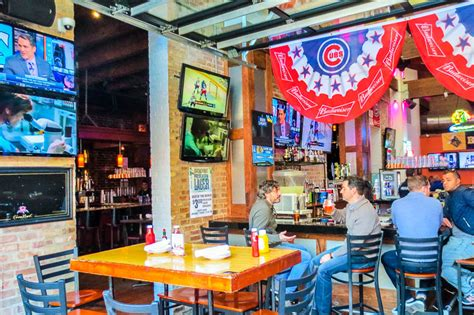 top 10 chicago bars chicago s best big ten college sports bars the city lane
