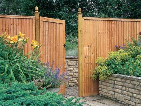 Garten Eingang Gestalten garten eingang gestalten holztor pflanzen garten