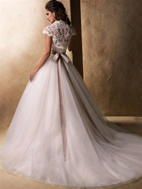 Top 10 2013 Wedding Dress style ? illusion neckline 5