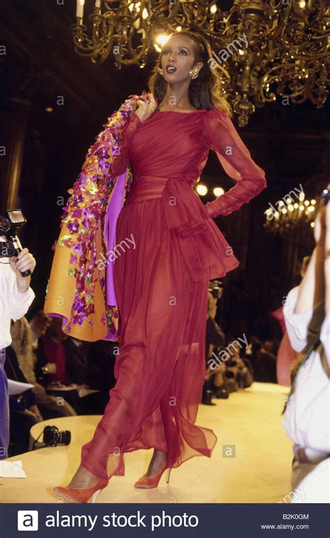 Works 2 B Free Catwalk by Fashion Fashion Show Haute Couture Yves