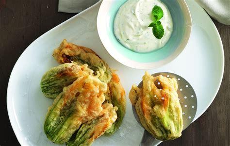 pastella per fiori di zucca con pastella per fiori di zucca senza uova la cucina italiana