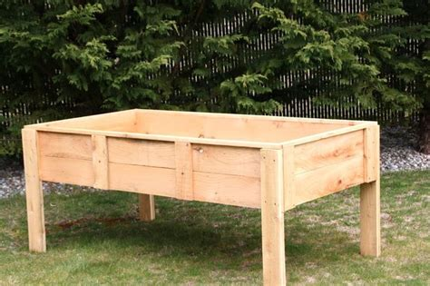 How To Build A Planter Box With Legs by Best 25 Elevated Planter Box Ideas On Herb