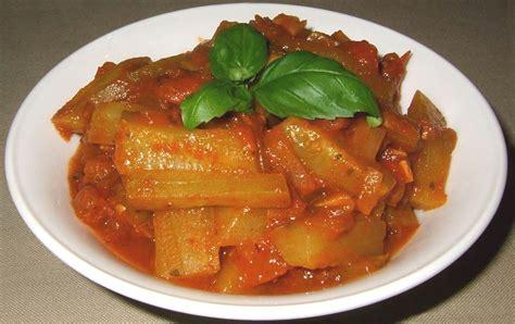 cuisiner les concombres cuisiner le concombre recette de concombre saut 233 192 la