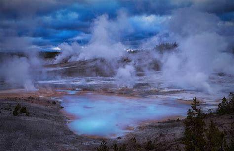 steamboat geyser eruption yellowstone volcano eruption steamboat geyser starts to