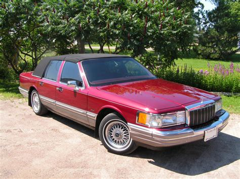 books about how cars work 1990 lincoln town car seat position control marcdoiron 1990 lincoln town car specs photos modification info at cardomain