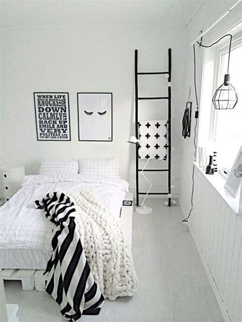 minimalist black  white bedroom ideas