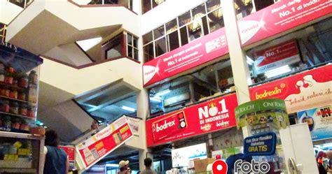 Kursi Roda Di Pasar Pramuka quot pasar pramuka quot pasarnya obat obatan dan alat kesehatan