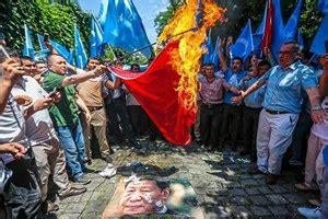 china weist  bericht ueber eine million uiguren  lagern