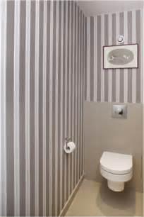 Exceptionnel Papier Peint Salle A Manger 4 Murs #4: papier-peint-wc-rayures-taupe-blanc-farrow-and-ball.jpg