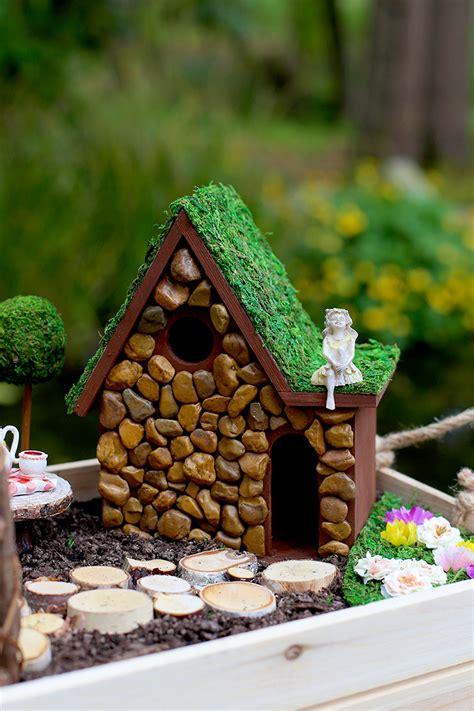 How To Make A Garden House by Diy Garden And House Tutorial Sew Much Ado