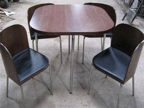 sedie a scomparsa tavolo pieghevole con sedie a scomparsa
