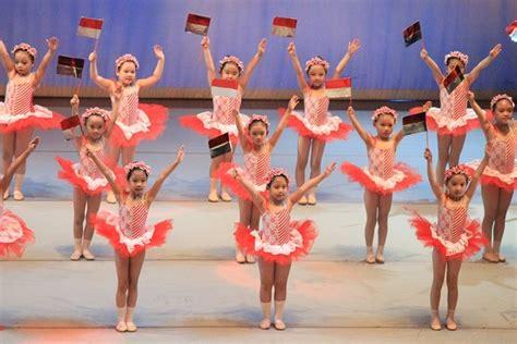 Balet Blezstar Merah seru dan beda si kabayan dan nyi iteung dalam pentas balet bernuansa nusantara