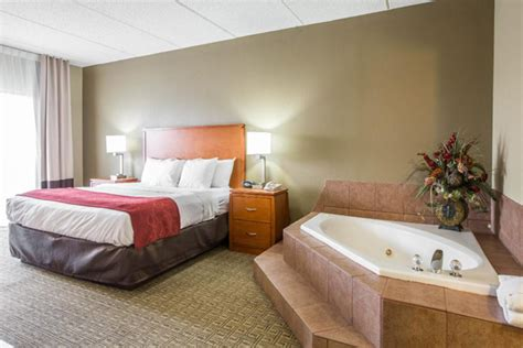 Hotel Comfort Room by 149 Comfort Suites Memorial Day Pigeon Forge Vacation