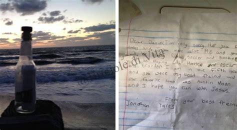 spiagge testo trova sulla spiaggia una bottiglia con un messaggio il